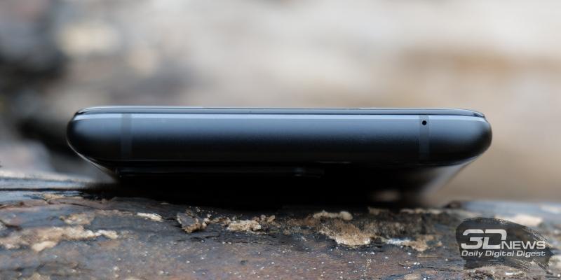 ASUS ROG Phone 5, верхняя грань: микрофон